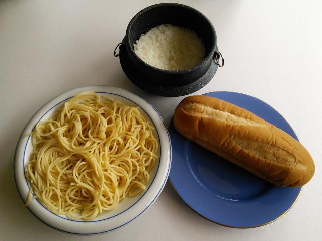 お米やパン、麺などを「食べなければいい」というわけではありません!