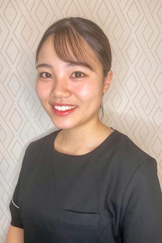 横浜のエステサロンAYAのスタッフ高橋 菜生
